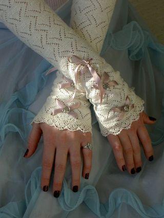 Bridal_gloves[1]