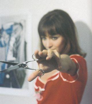 Anna,karina,scissors-e476cc2ce9302930fda1ab1a8ac266b6_h[1]