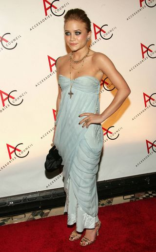 Mary-kate-ashley-olsen-ace-awards-hq-11-8-05-06[1]