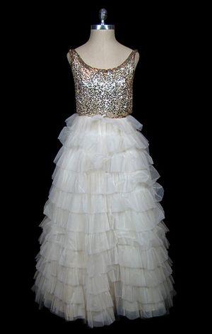 Bridal_page3_clothes_04[1]